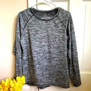 ClimateRight Heather Gray Active Top Thumbholes M